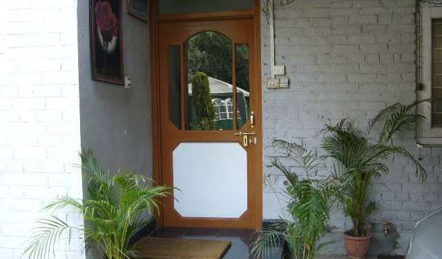 Book hotels and hostels now in Srinagar