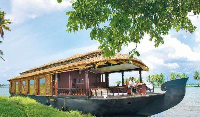 popular lodging destinations and hotels in Alleppey, India