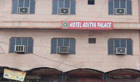 Book hotels and hostels now in Agra