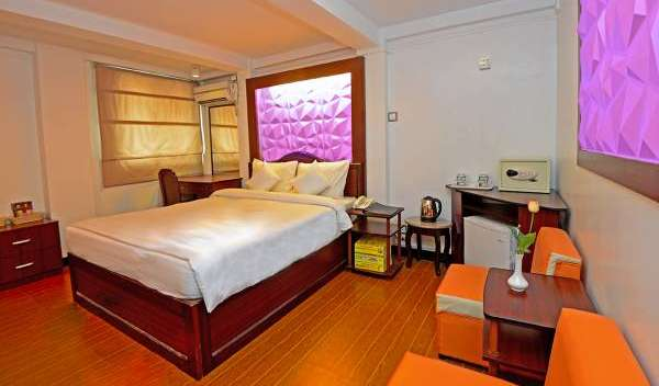 Search availability for the best hotels in Shimla