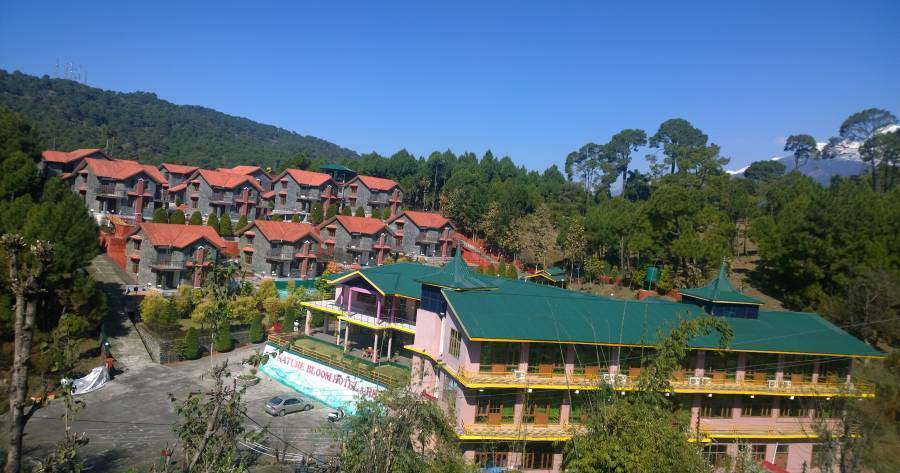 hotel reservations in Devidanda