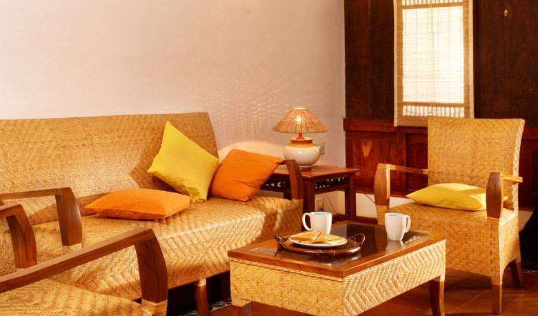 Find cheap rooms and beds to book at hotels in Alleppey