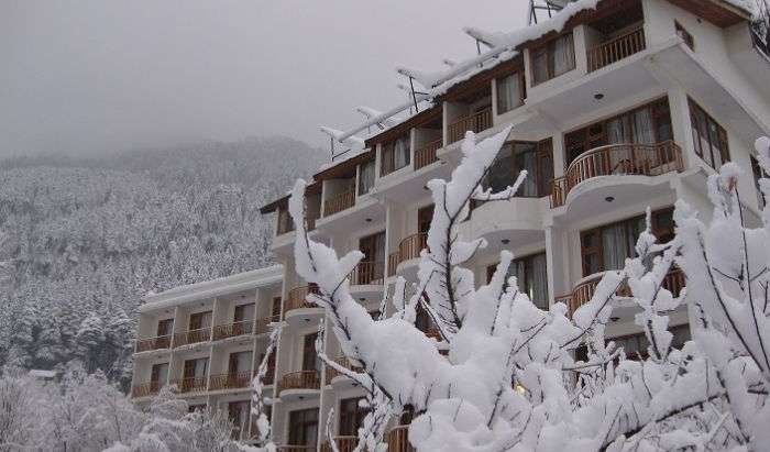 how to find the best hotels with online booking in Manali, India